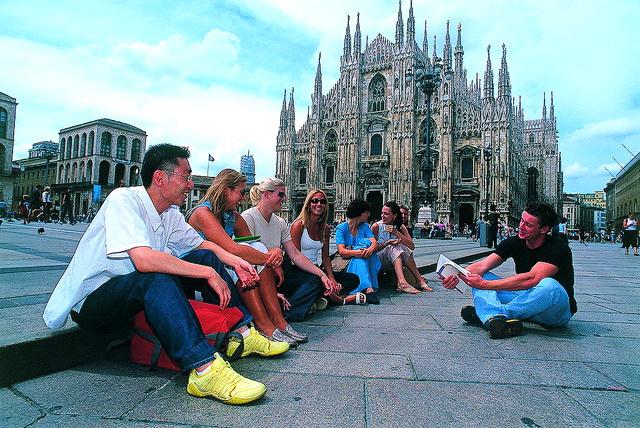 Linguadue, Milan