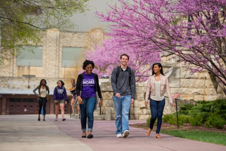 Кампус The University of Kansas весной