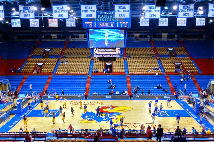 Крытый спортивный зал The University of Kansas