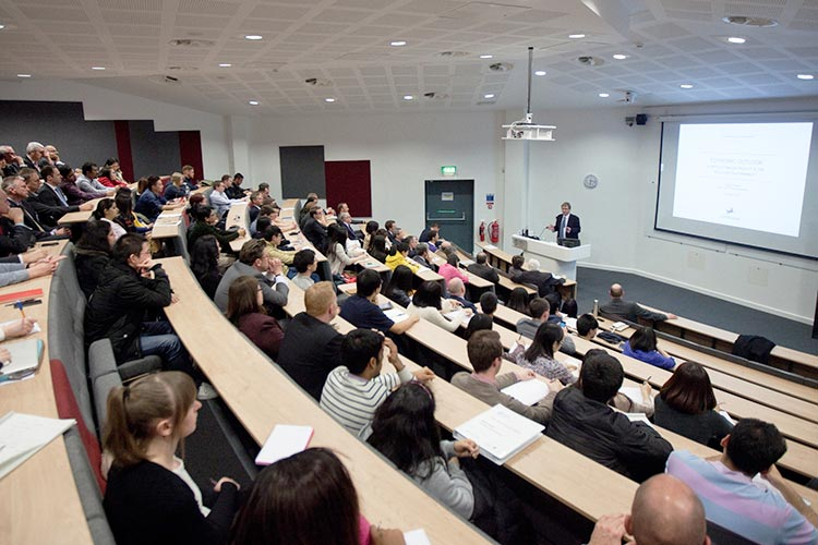 Лекционная аудитория University of Sheffield