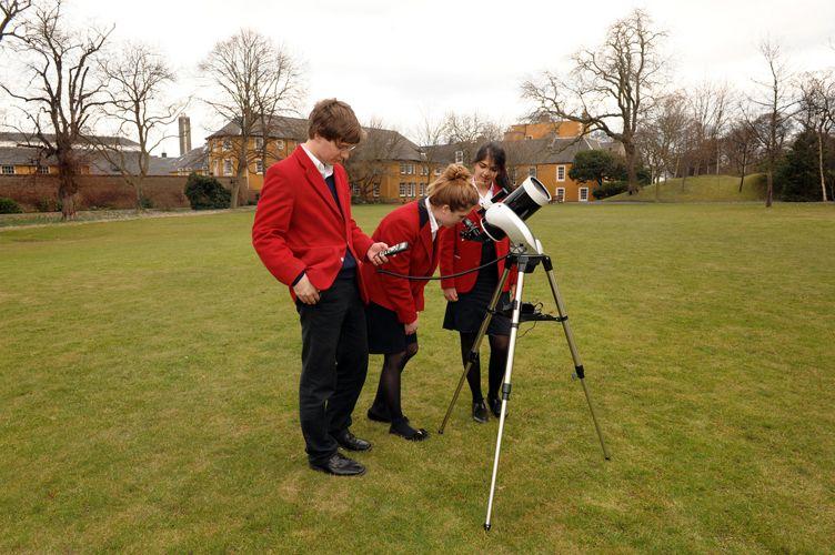 Урок асторономии в Loretto School