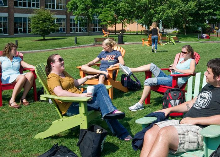 Занятия на свежем воздухе в Northeastern University