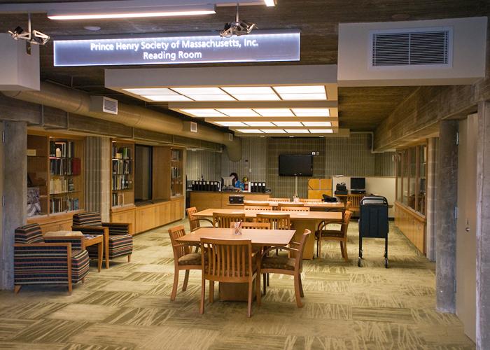 Внутри корпуса University of Massachusetts Dartmouth