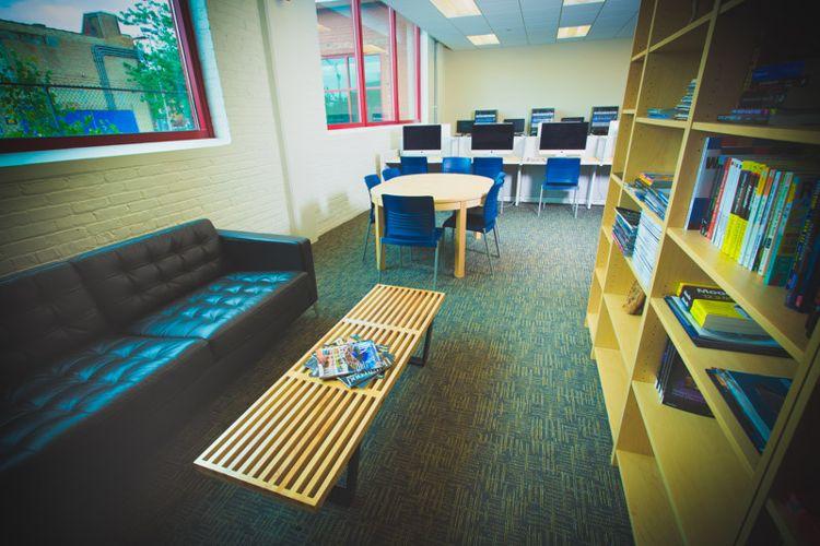 Переговорная комната в SAE Institute