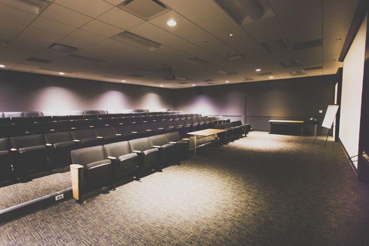 Аудитория SAE Institute