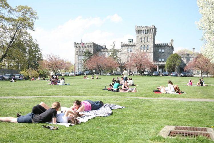 Студенты на отдыхе Manhattanville College