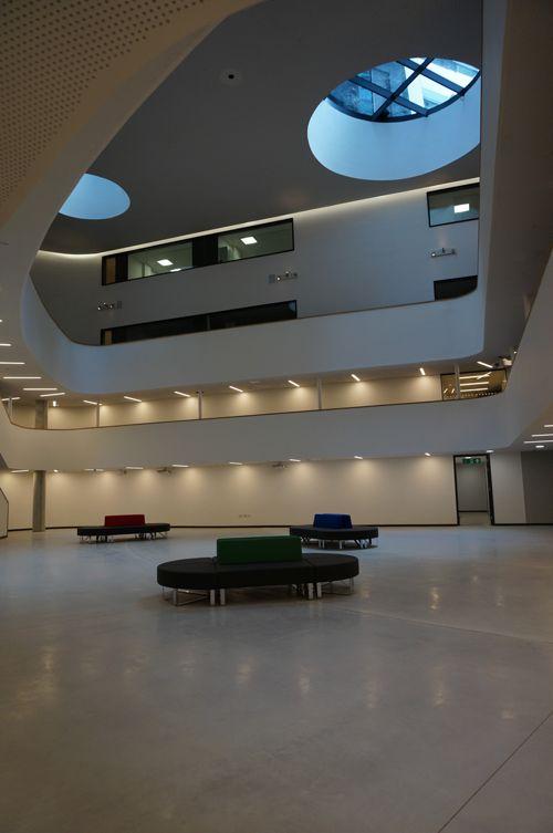 Внутри Academic Juniors, DLD College London
