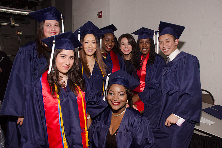 Выпускники 2014 года University of Illinois at Chicago