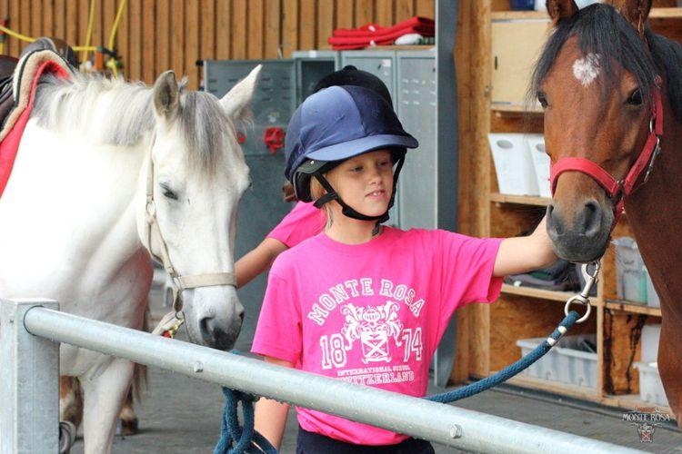 Катание на лошадях в Institut Monte Rosa