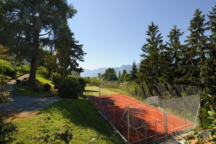 Футбольное поле в Institut Monte Rosa
