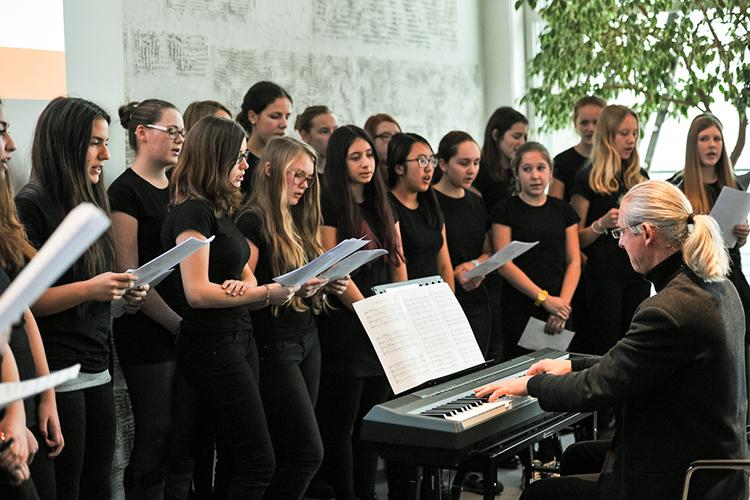 Уроки музыки студентов Humboldt Dusseldorf