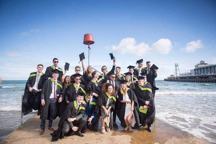 Выпускники Arts University Bournemouth