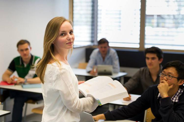 Процесс обучения в Lemania College Lausanne