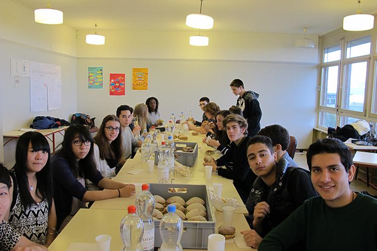 Обед студентов в Lemania College Lausanne