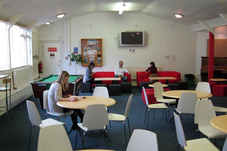 Место для самостоятельного обучения в LAL Torbay