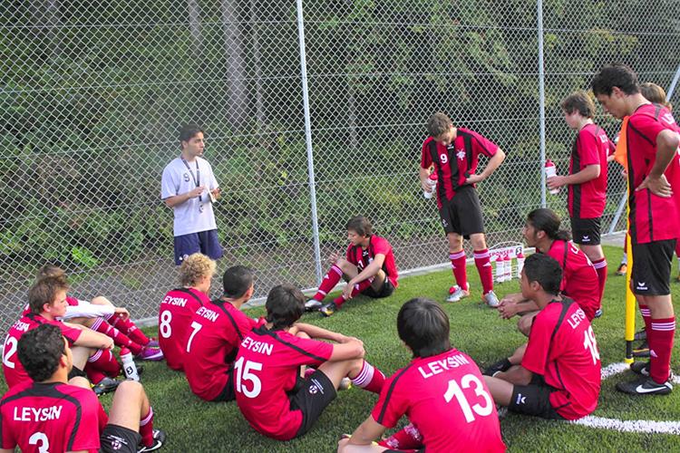 Футбольная команда Leysin American School