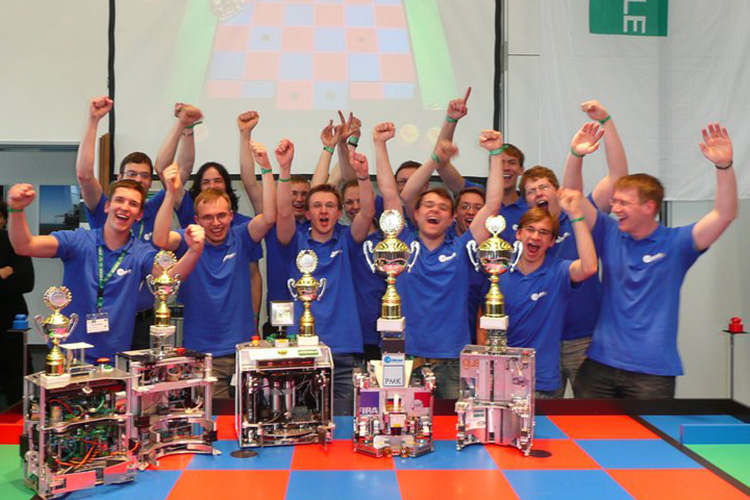 Студенты Technische Universität Dresden - победители конкурса Eurobot
