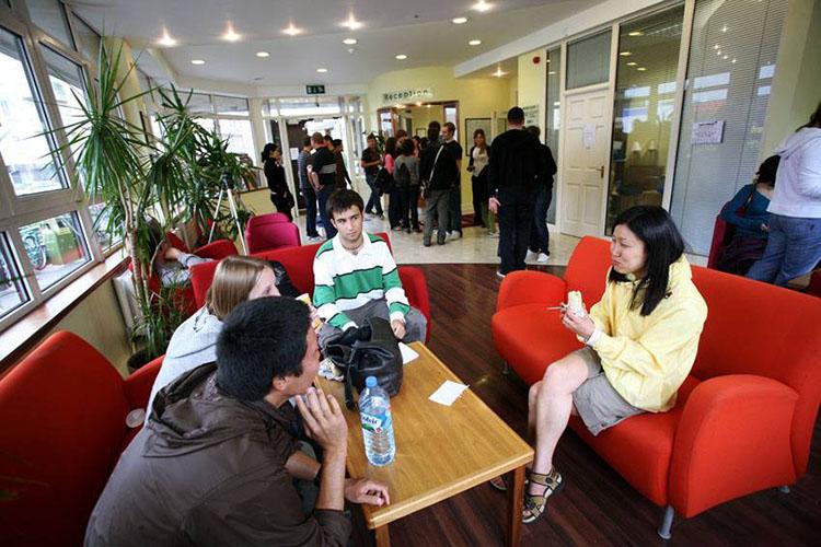 Студенты на отдыхе в Galway Cultural Institute