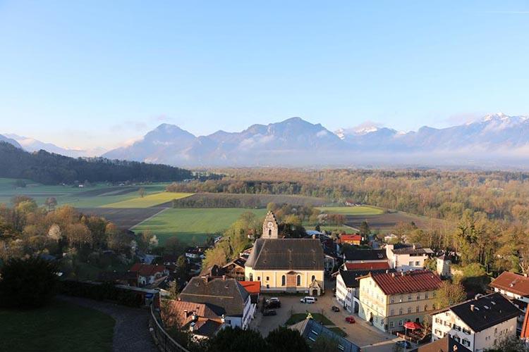 Пейзаж из окон Schloss Neubeuern