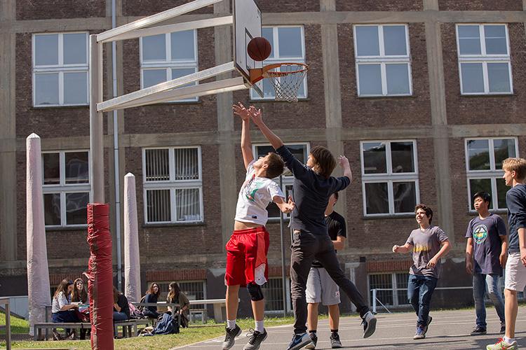 Спортивные занятия в Berlin Brandenburg International School