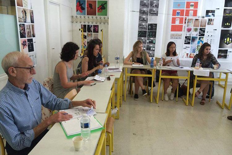 Студенты на занятии в Mod'Art International, Paris