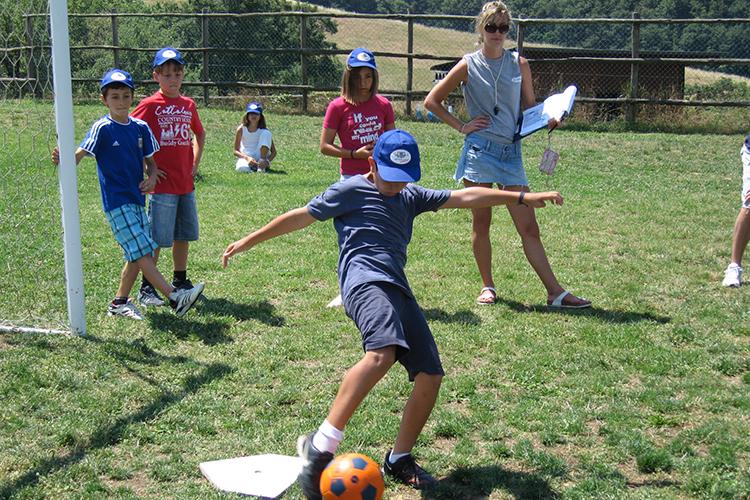 Занятия футболом в Alphabet International Camps, Todi