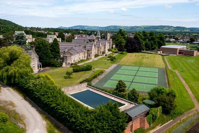 Территория школы Мyddelton College