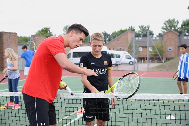 Уроки игры в теннис для студентов LAL, Winchester