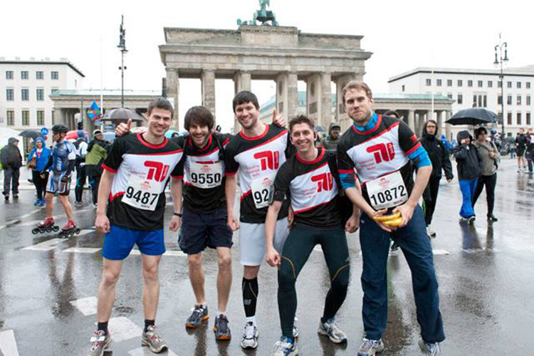 Студенты Technische Universität Berlin после марафона