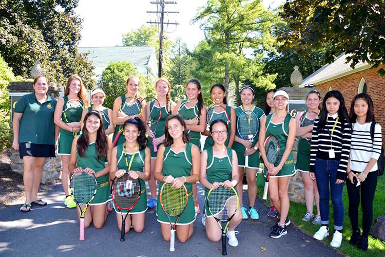 Занятия теннисом в Grier School