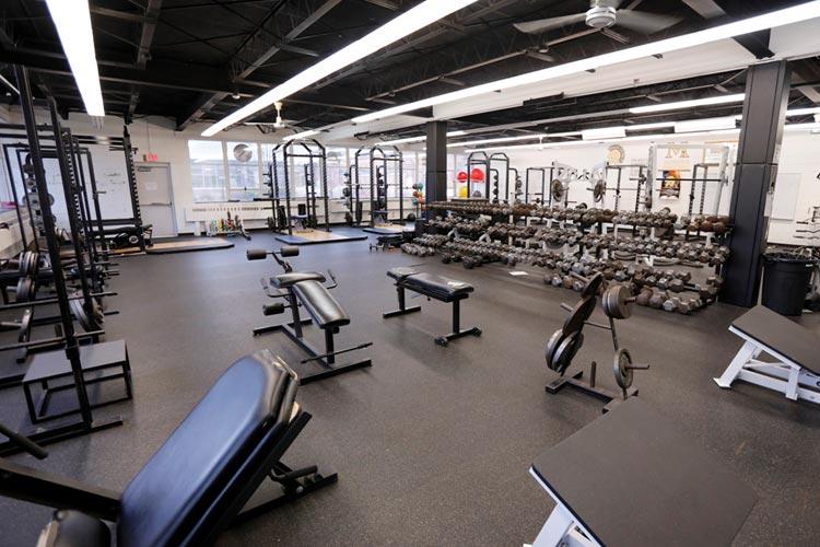 Тренажёрный зал в Marian Catholic High School