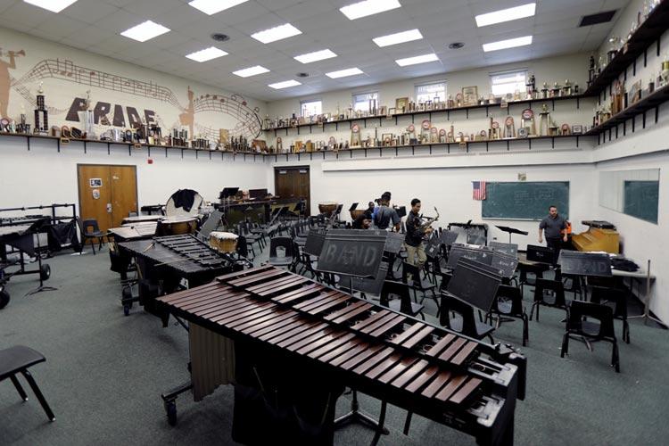 Кабинет музыки в Marian Catholic High School