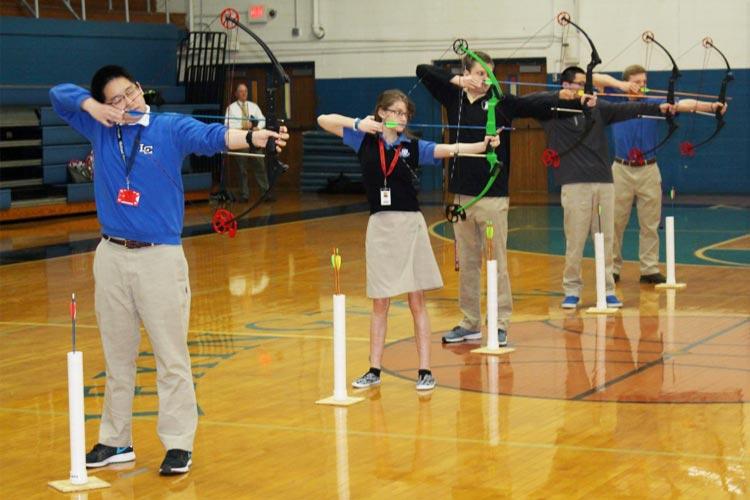 Клуб стрельбы из лука Lexington Catholic High School
