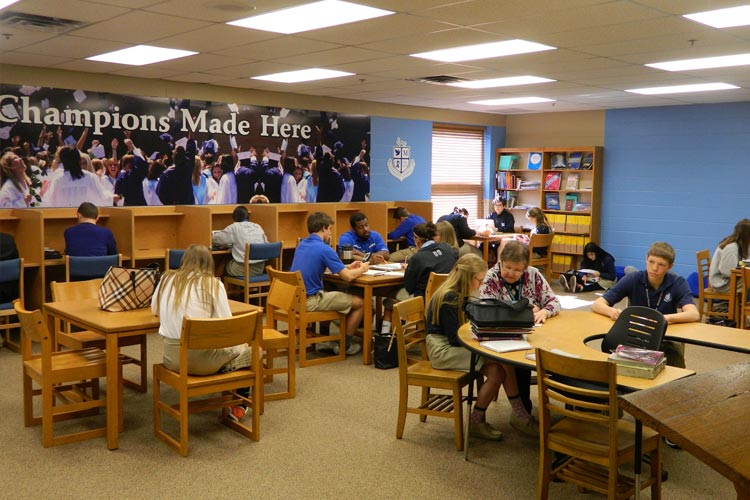 Комната для занятий Lexington Catholic High School