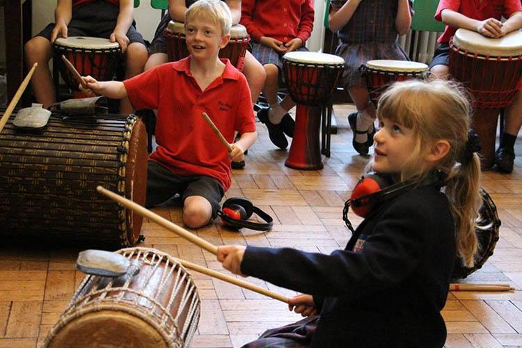 Занятия музыкой в Woodbridge School
