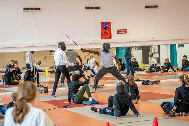 Уроки фехтования в Woodbridge School