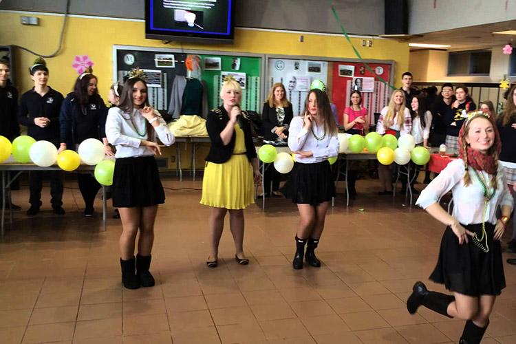 Развлекательные мероприятия в Bodwell High School