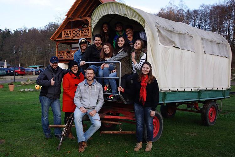 Студенты Carlsbad International School на экскурсии
