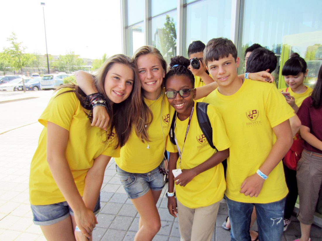 Студенты Bronte College, Summer Camp