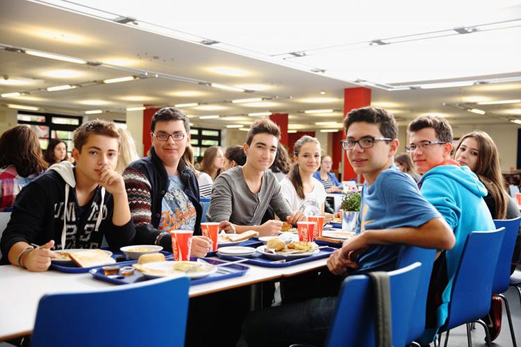 Студенты LAL, London на обеде