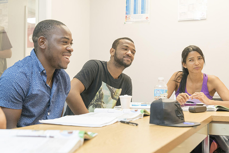 Студенты LAL, Fort Lauderdale на занятии