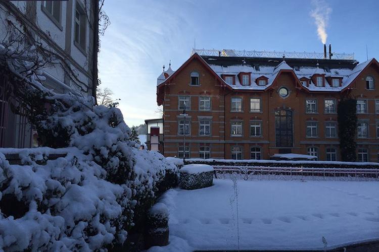 Здание  Institut auf dem Rosenberg