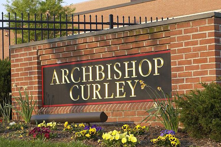 Главный вход в Archbishop Curley High School