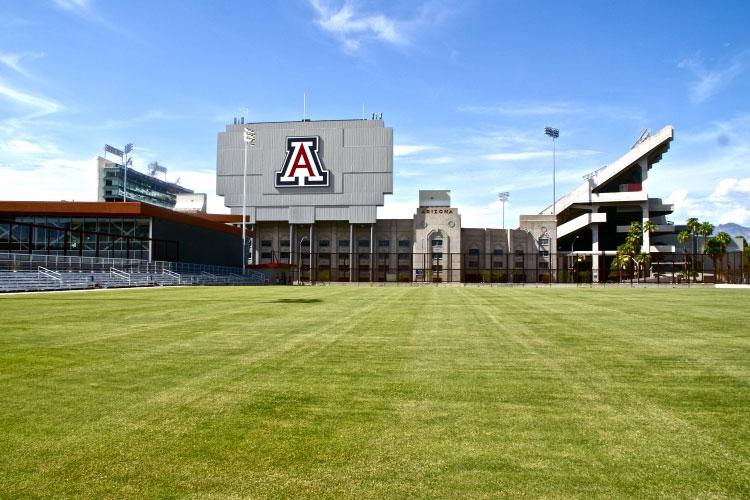 Футбольное поле The University of Arizona