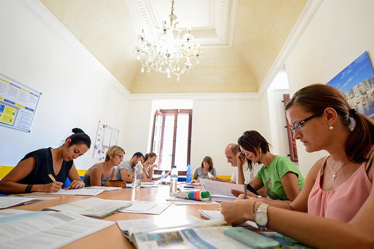 На уроке в Maltalingua