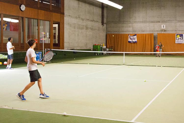 Студенты Alpadia, Berlin-Wannsee на занятии теннисом
