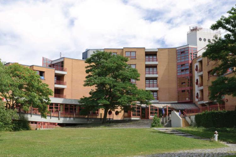 Вид на школу Alpadia, Berlin-Wannsee
