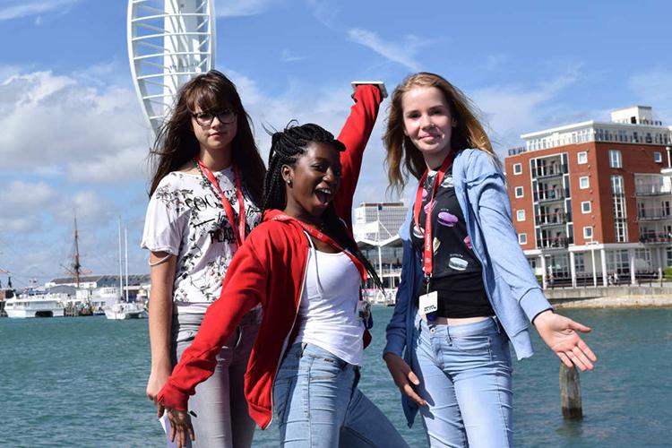 Студенты Alpadia, Portsmouth