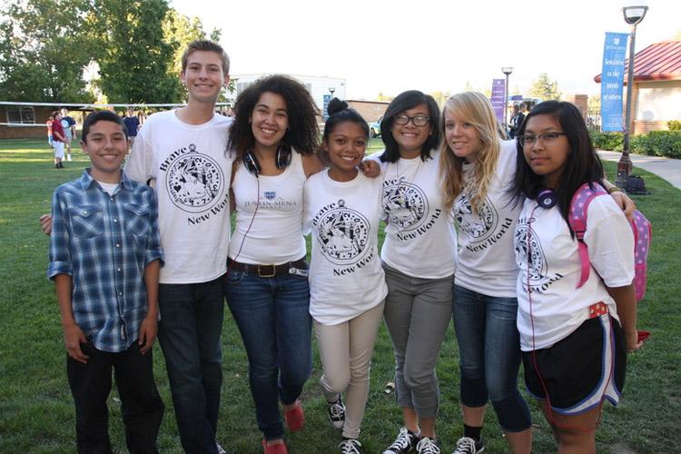 Ученики Justin-Siena High School