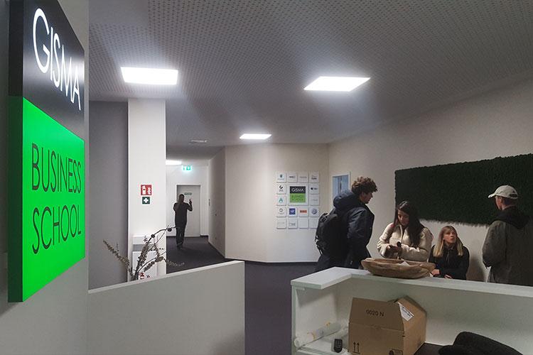 Фойе GISMA Business School